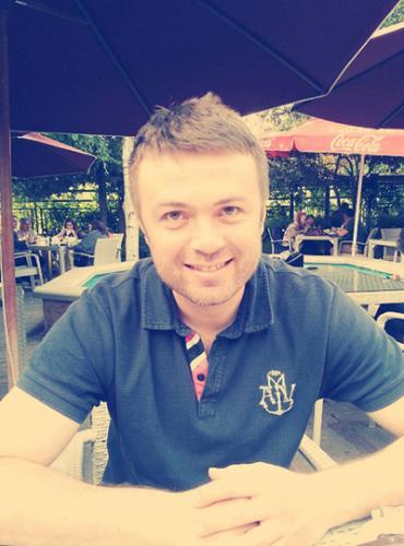 Dr. Ahmet Yapar
